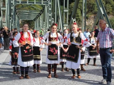 Manifestacija-ljudi-i-mostovi-Mali-Zvornik-12