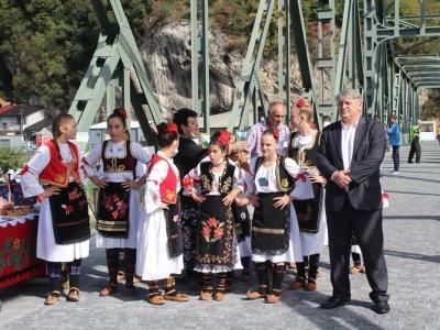 Manifestacija-ljudi-i-mostovi-Mali-Zvornik-19