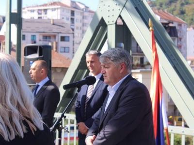 Manifestacija-ljudi-i-mostovi-Mali-Zvornik-30
