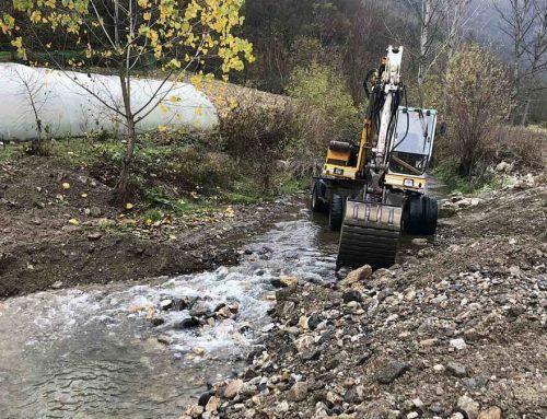 У току уређење локалних макадамских путева и речних корита у општини Мали Зворник