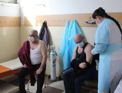 У току првог дана имунизације у Малом Зворнику вакцинисано око 70 грађана